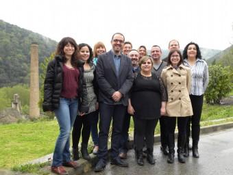 la candidatura de CiU de Sant Jaume de Llierca , amb Jordi Cargol al centre. EPA