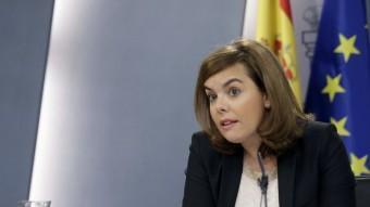 La vicepresidenta del govern espanyol, Soraya Sáenz de Santamaría, durant la roda de premsa d'aquest divendres EFE