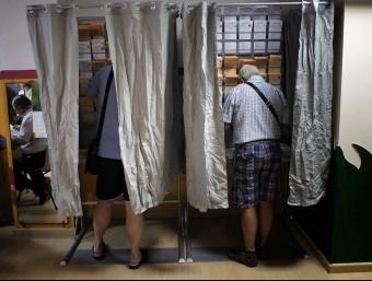 Cabines de votació de les passades eleccions municipals. JOSÉ CUÉLLAR