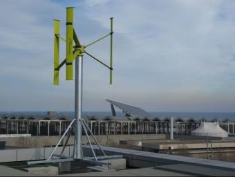 Aerogenerador ubicat al terrat del Centre Internacional de Convencions de Barcelona.  ARXIU