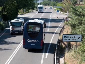 Uns 1.200 camions passen diàriament per la N-240 entre Montblanc i Lleida. Foment els pagarà part del peatge JC LEÓN