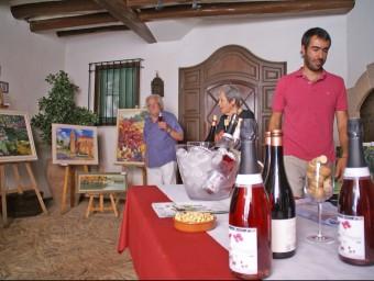 L'arista Miquel J. Jassans en un dels espais de tast de vins de la Festa del Trepat celebrada a Barberà de la Conca JOSEP LLUÍS ERAS / EL PORTAL NOU