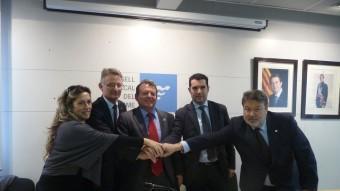 El pacte signat el gener del 2014 al Conselll Comarcal amb els presidents i primers secretaris d'ERC, CDC, PSC i UDC i el president comarcal. T.M