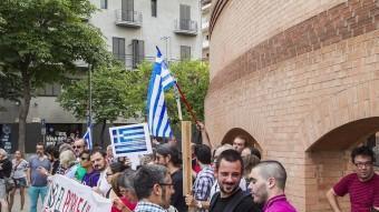 La concentració a favor dels grecs que es va celebrar divendres a Girona. ICONNA