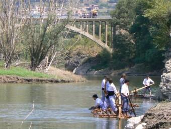 Els raiers baixant pel riu Noguera Pallaresa en una imatge d'arxiu JAVIER TOMÀS