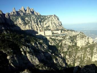 La muntanya de Montserrat amb el monestir al fons JUANMA RAMOS