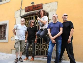 Sopa de Cabra, ahir davant de Los Padules, al carrer dels torrats. D'esquerra a dreta, Bosch, Soler, Quintana, Thió i Lisicic joan sabater
