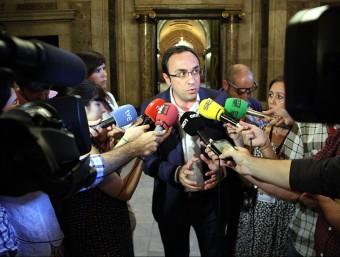 Josep Rull respon als mitjans de comunicació al Parlament ACN