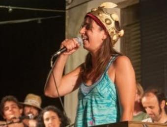 La mallorquina Maribel Servera va ser la Reina de les Nyacres a la Trobada de Cantadors de l'any passat I. TUBAU