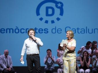 Antoni Castellà i Núria de Gispert, ahir, parlant com a portaveus del nou partit que han creat JOSEP LOSADA
