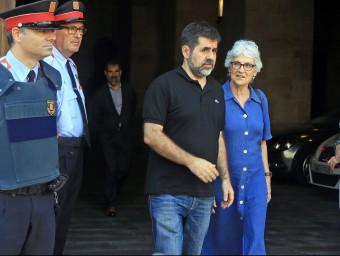 Jordi Sànchez i Muriel Casals surten del Palau de la Generalitat aquest dimecres JUANMA RAMOS
