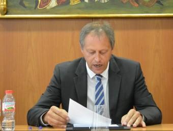 Ramon Moliner donant el discurs d'acceptació del càrrec. EPA