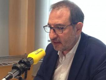 Ramon Espadaler en els estudis de Catalunya Ràdio