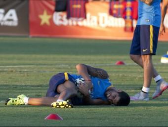 Content. Luis Suárez, durant l'entrenament al StabHub Stadium de Carson. El bon ambient entre companys va marcar la sessió EFE