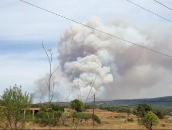 L'incendi vist des d'uns camps de conreu ACN