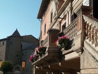 La campanya d'ornamentació floral dels balcons és una de les previstes al conveni J.C