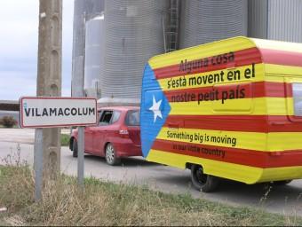 Caravana que va servir per publicitat la primera edició dels debats organitzats per Rius de Llibertat. EL PUNT AVUI
