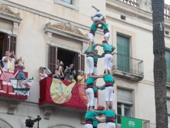 La torre de 9 , que els Castellers de Vilafranca van completar a Vilanova i la Geltrú, va ser el primer castell de gamma extra d'un mes d'agost que promet emocions molt fortes i que culminarà amb la diada de Sant Fèlix JUDIT FERNÁNDEZ