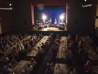 La banda del festival, durant el concert de dissabte passat al Cinema Fontova INTERLUDI