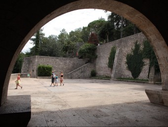 La plaça dels Jurats és un dels punts de rodatge triats per la productora HBO J. SABATER