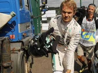 Rosberg torna cap al box després de l'incident d'ahir EFE