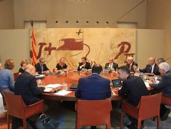 Mas i alguns consellers en la primera reunió del govern després de la pausa estival ACN