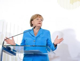 La cancellera alemanya, Angela Merkel, i el seu homòleg austríac, Werner Fayman, durant la roda de premsa d'aquest dijous a Viena EFE