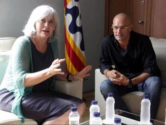 L'alcaldessa de Badalona, Dolors Sabater, reunida aquest dimarts amb el número 1 de Junts pel Sí, Raül Romeva ACN