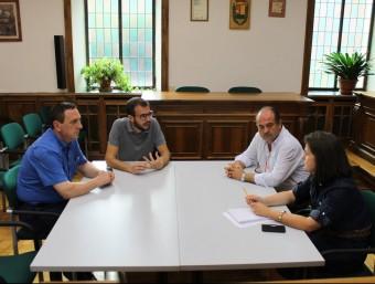 Els alcaldes aranesos reunits ahir per abordar els problemes de subminstrament de la telefonia ACN