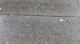 La tomba de Maria Gay , al cementiri de Girona. MANEL LLADÓ