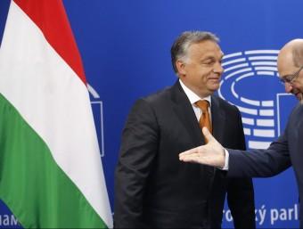 El primer ministre Hongarès, Viktor Orban, amb el president del Parlament Europeu, Martin Schulz EFE