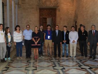 Artur Mas amb els organitzadors de la Via Lliure , amb Jordi Sànchez i Quim Torra al capdavant, la vicepresidenta Munté i el conseller Homs ANDREU PUIG
