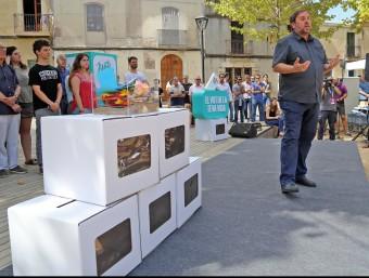 Oriol Junqueras , ahir al migdia, durant el míting a Sant Cugat JUANMA RAMOS
