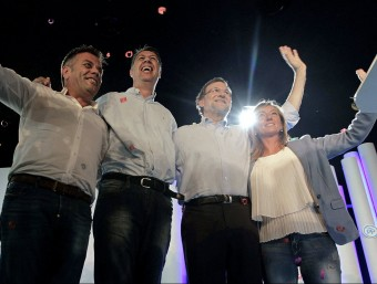Rajoy i Albiol flanquejats per la candidata a Lleida, Marisa Xandri, i elnúmero dos, Joan Simeon marta pérez/ efe