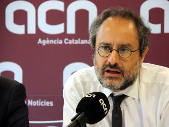 El cap de llista de la CUP, Antonio Baños, durant la roda de premsa que ha ofert aquest dilluns a matí a l'ACN ACN