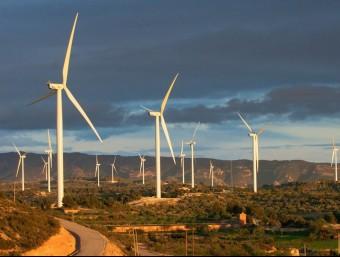 Vista del parc eòlic de la Granadella, a la comarca de Les Garrigues.  ARXIU