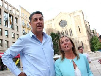 Xavier García Albiol i Marisa Xandri, a la plaça de Sant Joan de Lleida ACN