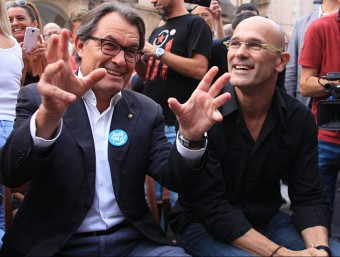 Artur Mas i Raül Romeva, tot just abans de participar en l'acte de Junts pel Sí a Vilanova i la Geltrú el 15 de setembre ACN