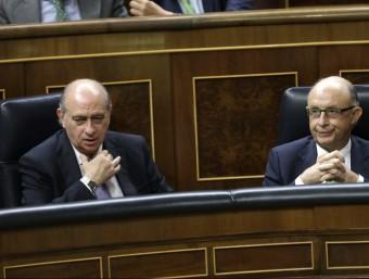 Els ministres Fernández Díaz i Montoro, aquest dimecres, al Congrés EFE