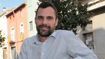 El candidat Torrent al carrer Major de Sarrià de Ter, municipi del qual és alcalde des l'any 2007. També ha estat diputat al Parlament en el darrer mandat. JOAN SABATER