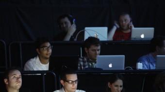 Els ordinadors personals són, juntament amb els televisors, l'equipament TIC més present a les llars REUTERS
