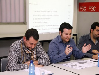 Christian Carneado, al mig, i Rubén Guijarro, a l'esquerra de la imatge ANDREU PUIG