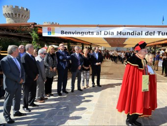 El castell de Biart , a Masarac, va ser ahir l'escenari de la dotzena edició del Dia Mundial del Turisme MANEL LLADÓ
