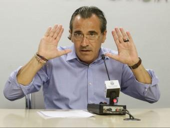L'exalcalde de Gandia, Arturo Torró, en roda de premsa. AGÈNCIES