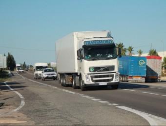 Una de les interseccions perilloses situada al terme municipal de Camarles. EMMA ZAFÓN