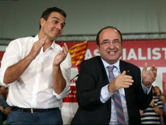 El secretari general del PSOE, Pedro Sánchez, amb el candidat a la Generalitat del PSC, Miquel Iceta EFE