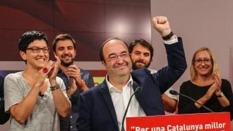Miquel Iceta i els membres de la candidatura del PSC celebrant ahir els resultats del PSC JUANMA RAMOS