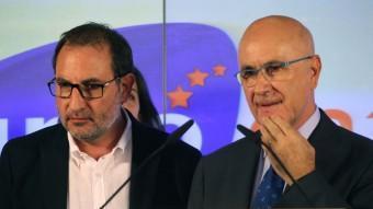 Ramon Espadaler i Josep Antoni Duran i Lleida van comparèixer a la seu d'Unió per valorar els resultats dels socialcristians ELISABETH MAGRE