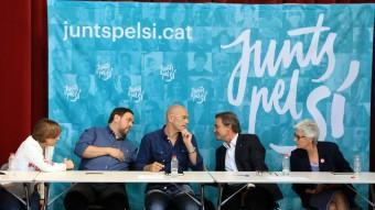 Carme Forcadell, Oriol Junqueras, Raül Romeva, Artur Mas i Muriel Casals, en la reunió que va fer ahir Junts pel Sí ANDREU PUIG