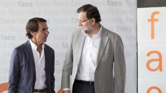 El president de la FAES, José María Aznar, i el cap del govern espanyol, Mariano Rajoy, en una imatge del juny EUROPA PRESS